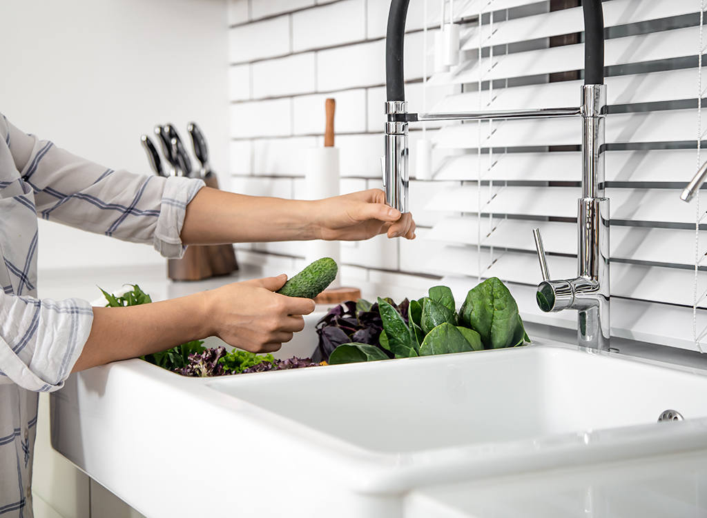 How To Replace A Kitchen Faucet
